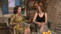 Mamma Mia! Lá Vamos Nós de Novo Entrevista com Alexa Davies e Jessica Keenan Wynn