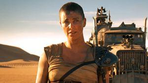 Mad Max: Charlize Theron publica vídeo de quando raspou a cabeça para viver Furiosa