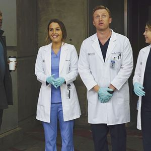 Foto Camilla Luddington, Ellen Pompeo, James Pickens Jr., Kevin McKidd