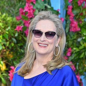 Mamma Mia! Lá Vamos Nós de Novo : Vignette (magazine) Meryl Streep