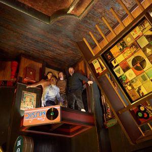 Escape Room : Foto Jay Ellis, Logan Miller, Taylor Russell McKenzie, Tyler Labine