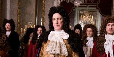 Toronto 2014: Ator Alan Rickman dirige filme estereotipado sobre aristocracia francesa do séc.XVII
