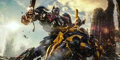 Trailer honesto de Transformers: O Último Cavaleiro diz que filme insulta a inteligência dos fãs