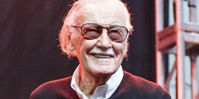Stan Lee revela que está com pneumonia
