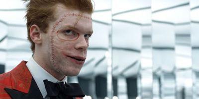 Gotham: Fotos das gravações mostram Cameron Monaghan com possível figurino do Coringa