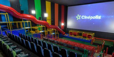 Conheça a 'Sala Júnior', experiência que combina cinema e mini parque de diversões para crianças