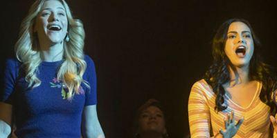 Riverdale: Veja duas cenas do episódio musical inspirado em Carrie, a Estranha