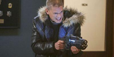 The Flash: Fotos do próximo episódio revelam participações de Wentworth Miller e Katie Cassidy