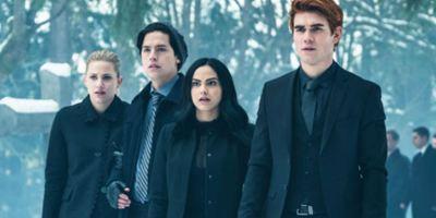 Riverdale confirma identidade do Black Hood e pode ter matado um de seus protagonistas