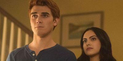 Riverdale: Showrunner fala sobre chocante acontecimento do final da segunda temporada