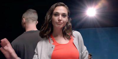 Gal Gadot, Millie Bobby Brown e outras atrizes invadem clipe de Maroon 5