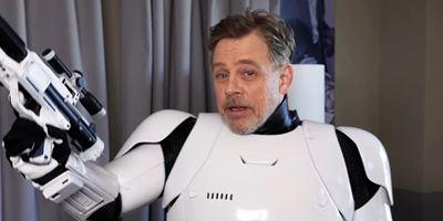 Comic-Con 2018: Mark Hamill faz cosplay de Stormtrooper e Darth Vader laranja durante a convenção