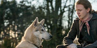 Outlander: Fotos da 4ª temporada destacam amizade entre jovem Ian e Rollo