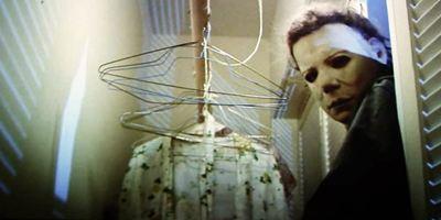 Tirando o Mofo: Halloween, um baile de máscaras, medo e anarquia
