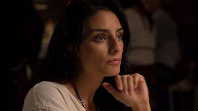 Apostando Tudo: Aislinn Derbez fala sobre trabalhar com o improviso em nova comédia da Netflix (Entrevista)