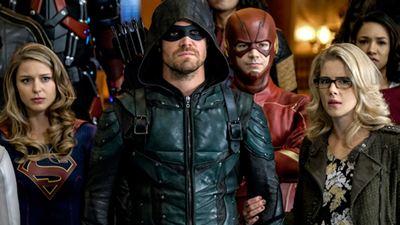Arrow, The Flash, Supergirl, Riverdale e outras seis séries são renovadas pela CW