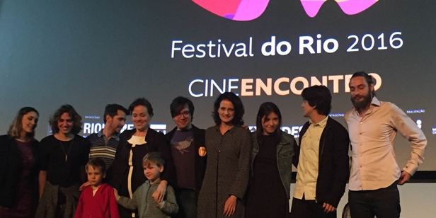 """Festival do Rio 2016: Denise Fraga, Karine Telles e o """"filme de guerrilha"""" Fala Comigo"""