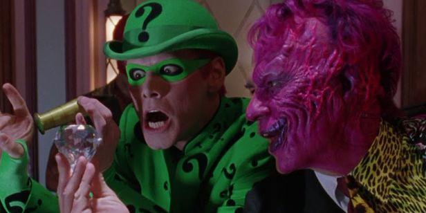 Tommy Lee Jones odiava trabalhar com Jim Carrey em Batman Eternamente