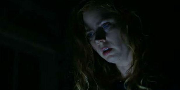 Sharp Objects: Amy Adams investiga dois assassinatos sombrios em novo trailer da minissérie