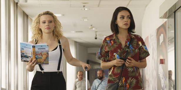 Meu Ex é um Espião: Mila Kunis e Kate McKinnon se preparam para viajar para Viena em nova cena (Exclusiva)