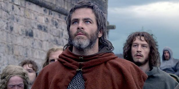 Chris Pine comenta cena de nu frontal no drama histórico Legítimo Rei