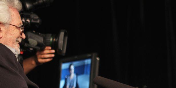 Filmes na TV: Hoje tem Últimas Conversas e Qualquer Gato Vira-Lata 2