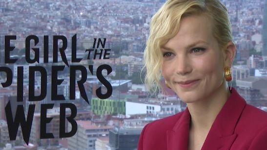 """Millennium: """"É um filme para maiores por um motivo"""", diz Sylvia Hoeks, intérprete da irmã de Lisbeth Salander em A Garota na Teia de Aranha (Entrevista exclusiva)"""