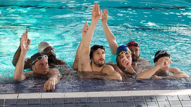 Um Banho de Vida: Grupo recorre a nado sincronizado para combater a depressão em novo clipe (Exclusivo)