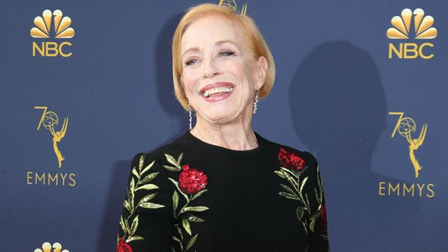 Para Todos os Garotos que Já Amei: Sequência contrata atriz de Two And a Half Men