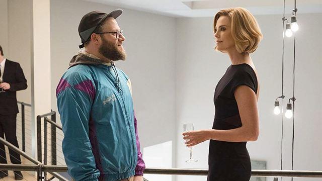 Casal Improvável: Seth Rogen tenta não envergonhar Charlize Theron em novo trailer