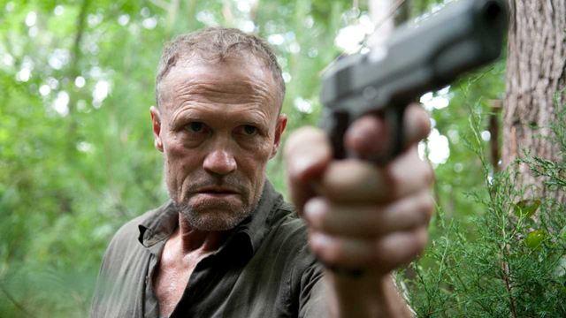 """The Walking Dead: """"Ninguém fez dinheiro com as primeiras temporadas da série"""", disse Michael Rooker"""