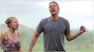 "Kristen Bell e Dax Shepard ""estrelam"" videoclipe caseiro com hit da década de 1980"
