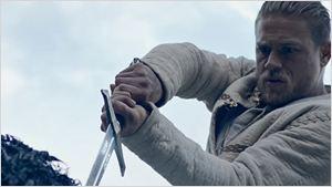 Comic-Con 2016: Rei Arthur parte para a luta em primeiro trailer de A Lenda da Espada