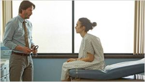 Netflix compra novo filme de Keanu Reeves e Lily Collins