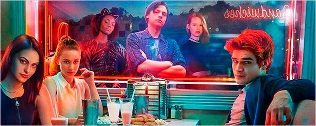 Riverdale: Elenco jovem aponta como série é mistura entre Twin Peaks e Gossip Girl (Entrevista)