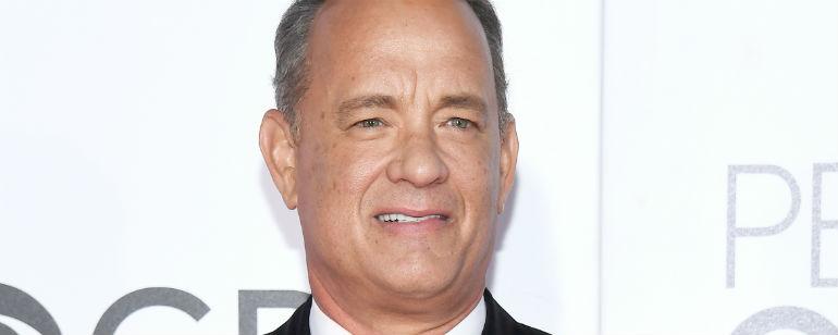 Saiu A Primeira Imagem De Tom Hanks Como O Apresentador Fred Rogers Em Biografia Noticias De Cinema Adorocinema