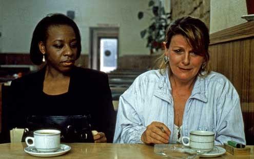 Segredos e Mentiras : Foto Brenda Blethyn, Marianne Jean-Baptiste, Mike Leigh