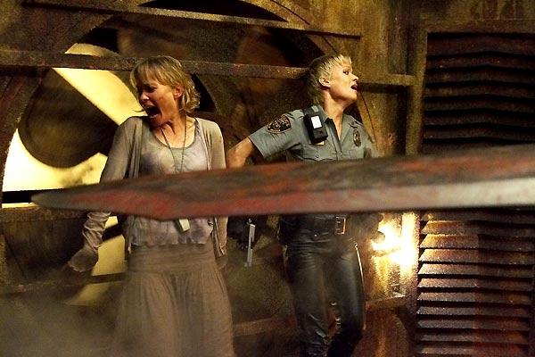Terror em Silent Hill : Foto Laurie Holden, Radha Mitchell