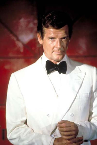 007 Contra o Homem com a Pistola de Ouro : Foto Roger Moore