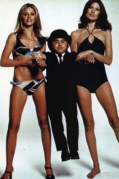 007 Contra o Homem com a Pistola de Ouro : Foto Britt Ekland, Hervé Villechaize, Maud Adams