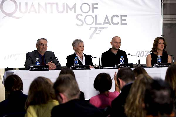 007 - Quantum of Solace : Foto Barbara Broccoli, Judi Dench, Michael G. Wilson