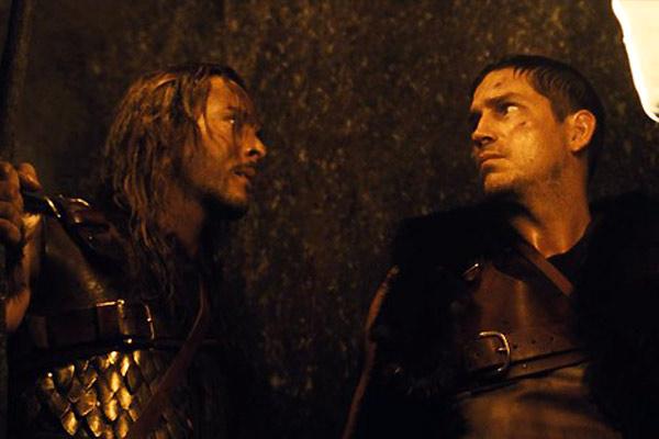 Outlander: Guerreiro vs Predador : Foto Howard McCain, Jack Huston, Jim Caviezel
