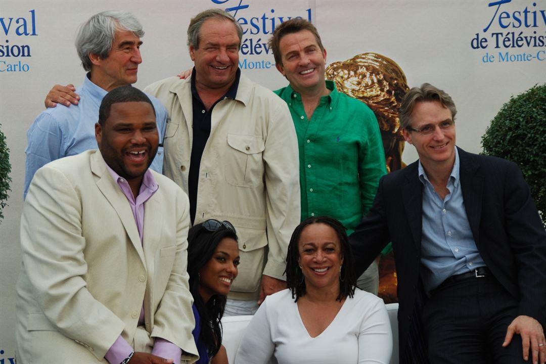 Foto Anthony Anderson, Bradley Walsh, Dick Wolf, Freema Agyeman, Linus Roache