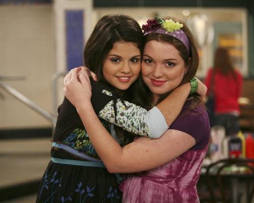 Os Feiticeiros de Waverly Place : Foto Jennifer Stone, Selena Gomez