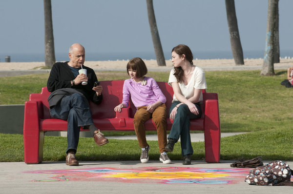 Foto Jeffrey Tambor, Joey King, Margo Harshman