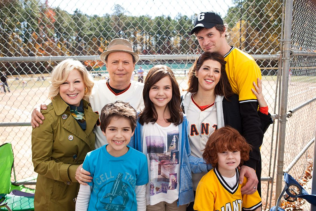 Uma Família em Apuros : Foto Bailee Madison, Bette Midler, Billy Crystal, Joshua Rush, Kyle Harrison Breitkopf