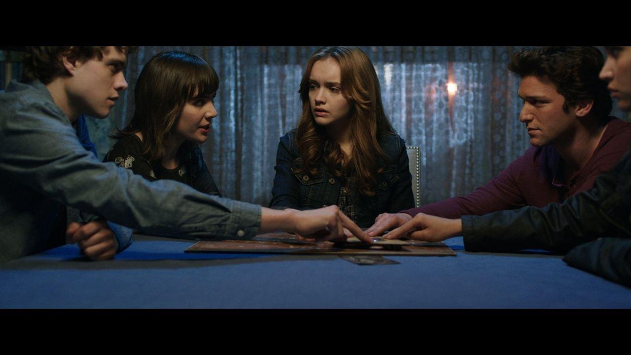 Ouija - O Jogo dos Espíritos : Foto Daren Kagasoff, Douglas Smith (III), Shelley Hennig