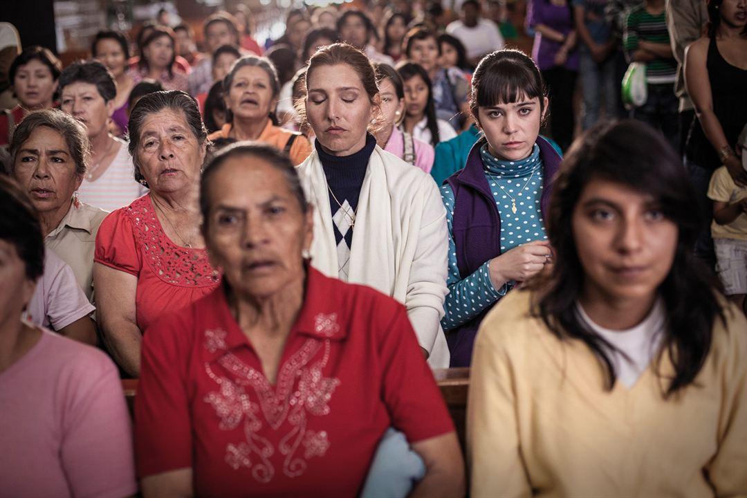 Feriado : Foto Canela Samaniego, Cristina Morrison