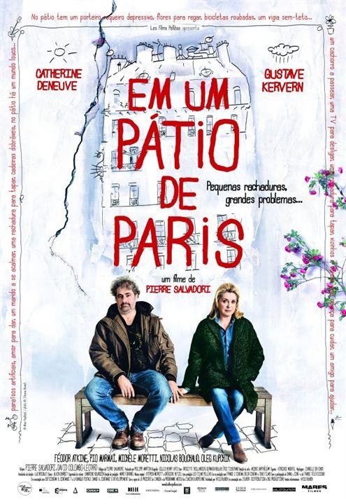 Em um Pátio de Paris : Poster
