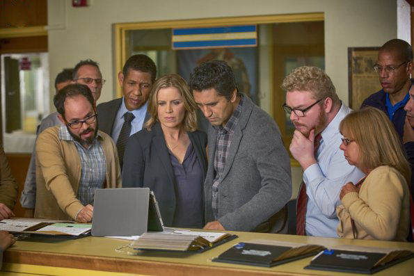 Foto Cliff Curtis, Kim Dickens, Scott Lawrence